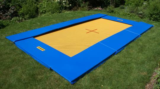 Ground trampoline instalado