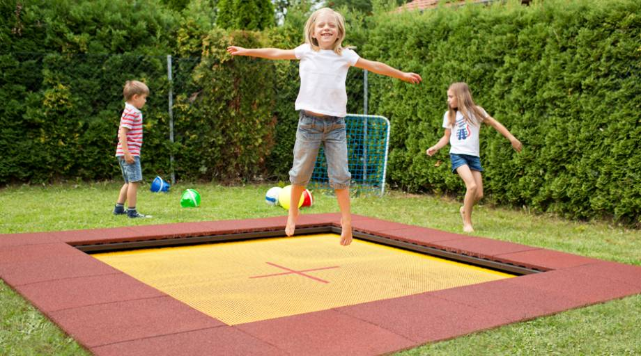 kindergarten trampoline wehrfritz fun xl kindergarten eurotramp trampoline. Black Bedroom Furniture Sets. Home Design Ideas