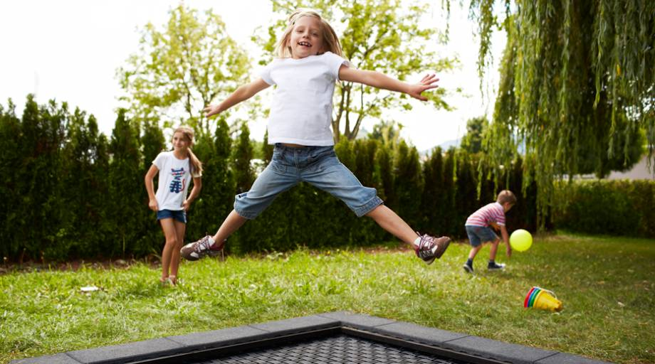spielplatz trampolin kids tramp playground xl eurotramp trampoline. Black Bedroom Furniture Sets. Home Design Ideas