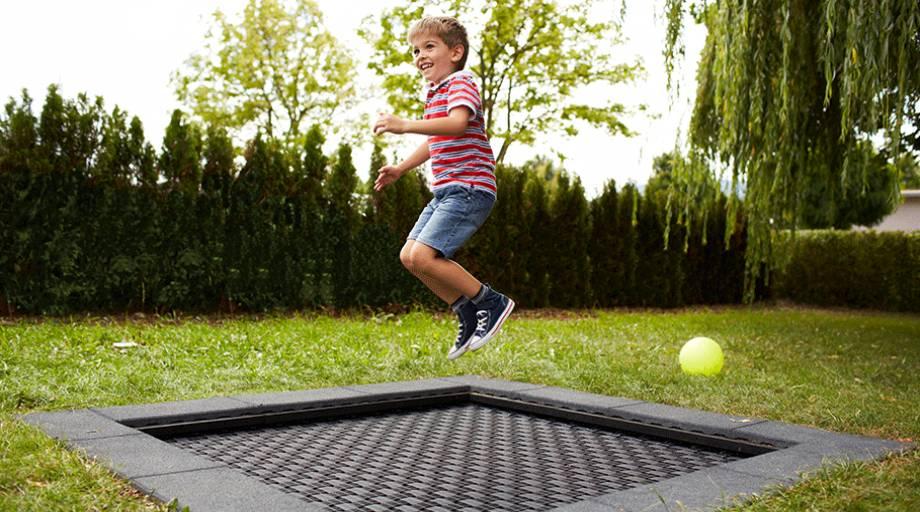 spielplatz trampolin kids tramp playground eurotramp. Black Bedroom Furniture Sets. Home Design Ideas