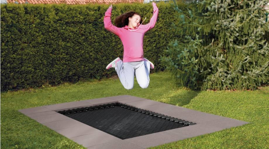 spielplatz trampolin sport thieme adventure tramp eurotramp trampoline. Black Bedroom Furniture Sets. Home Design Ideas